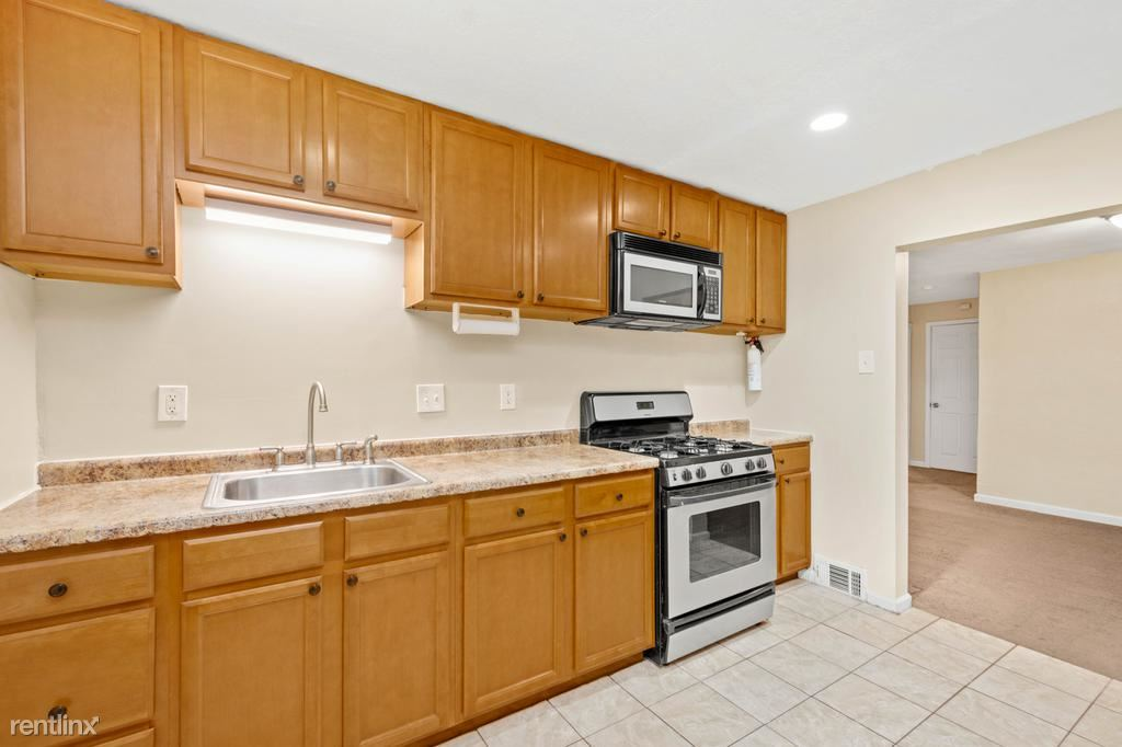 237 1/2 Berringer Place Unit 1